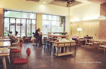 2015 07 03 222415 340x221 - 綠光咖啡一號店,精誠商圈裡寬敞的咖啡廳,免服務費、不限時、有插座、有wifi