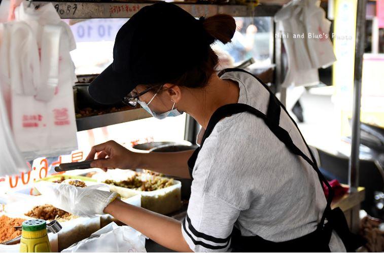大里中興飯糰,內新市場排隊飯糰攤販,首推黑白雙色飯糰