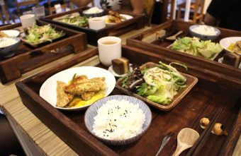 台中美食|後驛冊店--台中火車站周邊美食,無菜單料理日式定食@東區 大公街