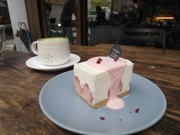 2017 04 21 083325 - Allo Friend cafe  彷彿回到家一樣溫暖的咖啡館~除了香醇咖啡外,還有超人氣生乳酪蛋糕!!每日限量草莓約翰生乳酪