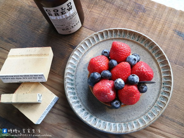 2017 12 14 115622 - KiiTO KiiTO cafe│結合服飾店的咖啡廳,有著美美的IG牆,除了好喝的咖啡外,還吃的到序曲甜點~