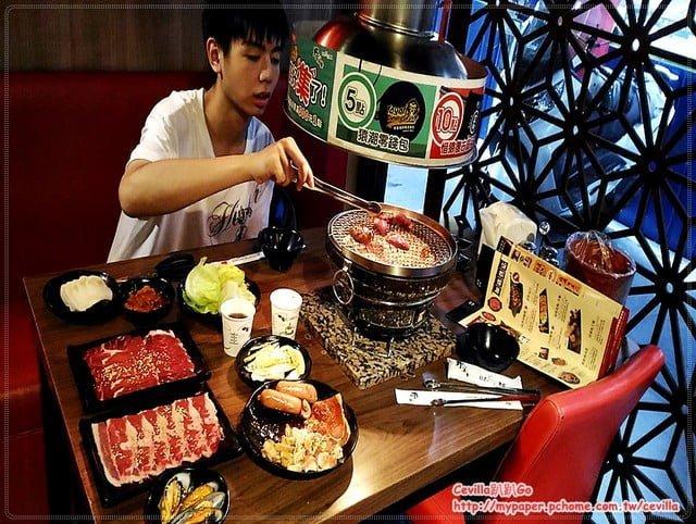 中和 野宴日式炭火燒烤吃到飽 五百有找 肉質好 換網很勤 服務好