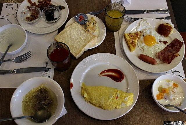 台南美食|台南大飯店住房附贈翡翠廳早餐超澎湃的自助餐點