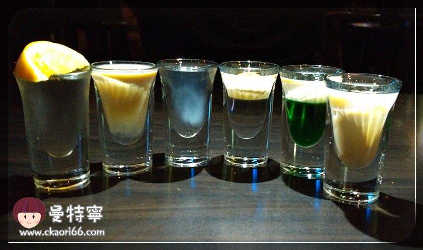[高雄巨蛋捷運站異國料理+酒吧]燈塔美式酒館The Lighthouse Bar & Grill~多人聚餐氣氛棒