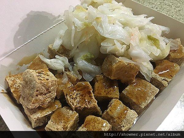 [高雄] 低調的 無名美味香酥臭豆腐店 好樂迪後勁店旁 近 高雄海洋科技大學