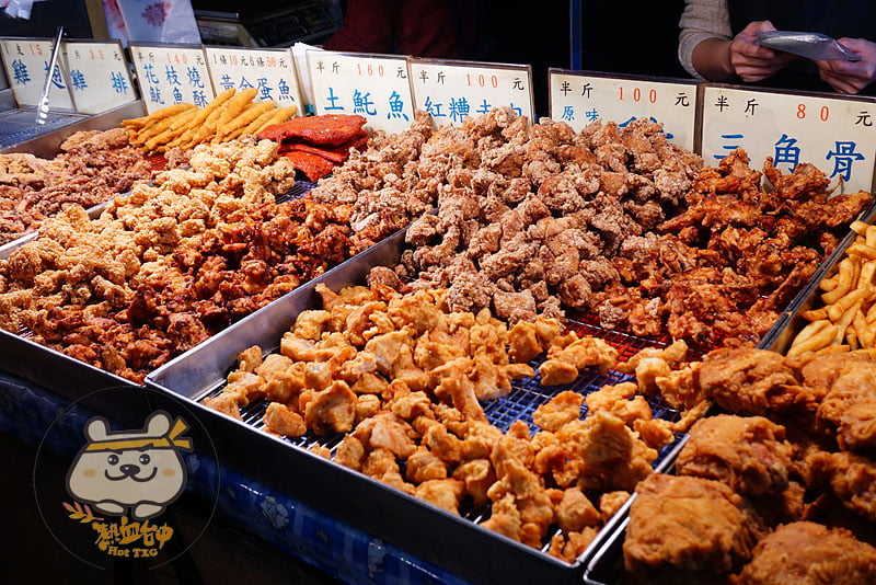太平黃昏市場│婆婆媽媽在賣的無名炸雞店,雞排只要35元