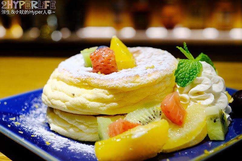Portside Cafe│老闆據說是日本型男來著的船艙造型咖啡館,白天是早午餐咖啡屋、晚上搖身一變成酒吧~推薦舒芙蕾厚鬆餅!