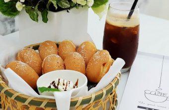 咕嗼咖啡│四月底新開幕韓系咖啡店,鬆餅是豪可愛的雞蛋造型~頭頂上還有白色飄浮雲朵喔!
