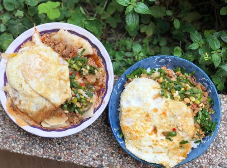 逢甲炒餅條│傳統技法古早味蛋餅,搭配特製肉燥及家傳蔥辣醬就是讚~