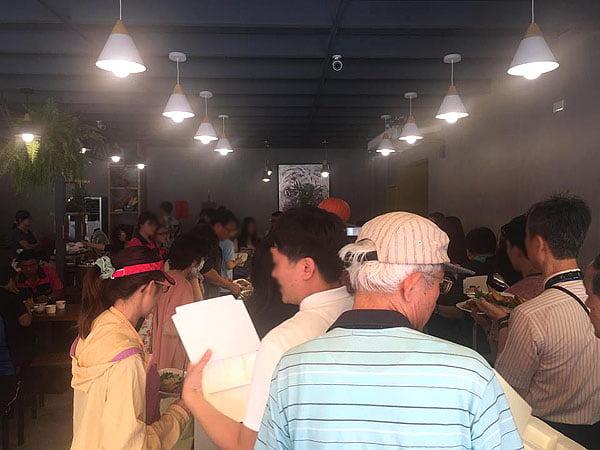 四季村素蔬食自助餐玉門店試營運│人潮大爆滿千萬不要尖峰時刻前往