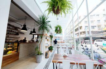 2018 06 03 204553 340x221 - 斑馬公寓咖啡│綠意點綴視覺系玻璃屋,還有網美必拍斑馬打卡牆喔