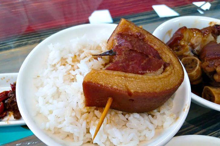 2018 06 12 210617 728x0 - 春發號 吃爌肉飯也能享受文青風 古早味傳統小吃 豬腳肋排滷肉飯 近水湳市場