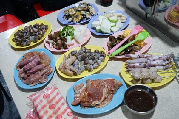 2018 07 12 222302 - 澎湖吃到飽餐廳│一品無煙燒烤380牡蠣海鮮肉品吃到飽,澎湖BBQ市區也有