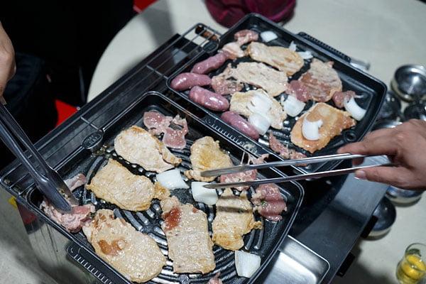 澎湖吃到飽餐廳│一品無煙燒烤380牡蠣海鮮肉品吃到飽,澎湖BBQ市區也有