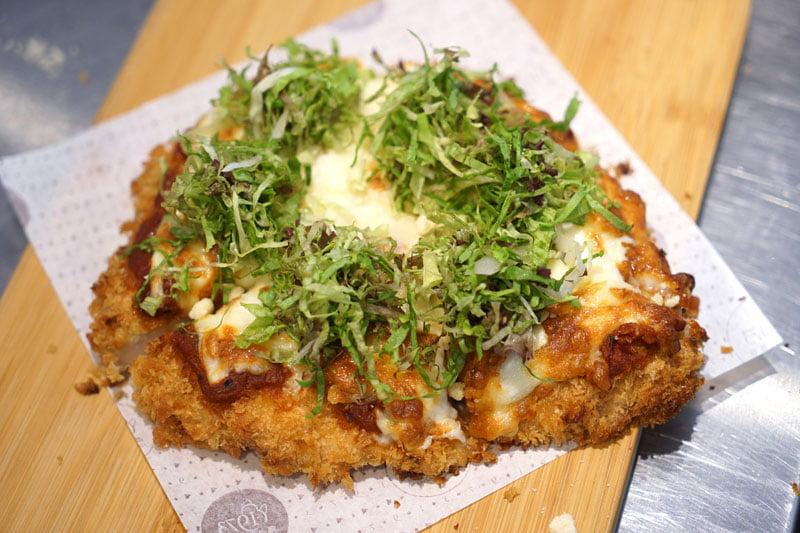 2018 08 09 162122 - 熱血採訪│大玩創意梗披薩,雞排、麻辣鍋醬醬醬雞最不一樣的繼光香香雞就在J&G NEXT餐廳