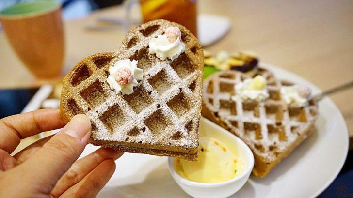 2018 08 11 002524 728x0 - 『台中。大甲區』 39號咖啡Thirty nine|站前國王商圈內 低調咖啡館 季節水果 心型鬆餅 有顏質的網美鬆餅。