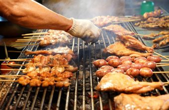 烏日觀光夜市│正統烤肉一周營業三天,每天都不同人烤