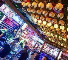 激旨燒鳥, 逢甲美食, 台中美食, 逢甲串燒, 文華道商場, 逢甲燒烤, 平價串燒, Gekiuma-Yakitori, 現場駐唱
