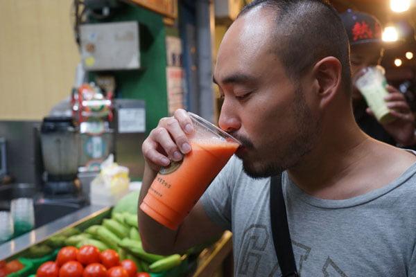 2018 09 26 210914 - 麻豆飲料推薦│阿軒果汁吧,要先喝掉1/3還會繼續裝杯的現打果汁