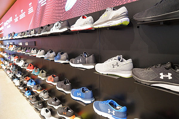 2018 11 19 162412 - 熱血採訪│UA 台中豐原OUTLET超殺優惠又來了,多種鞋款全面五折起