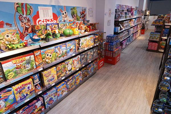2018 12 16 134804 - 熱血採訪│台中西區最新近百坪2層樓玩具店,買玩具免費包裝禮物的鯊玩具