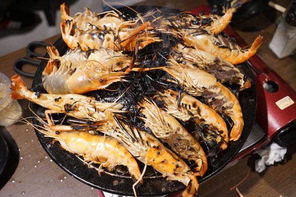 2019 04 01 202751 - 熱血採訪│青海路流水蝦「泰哈HOT蝦」吃到飽,一開幕人潮大爆滿,竟然還有蓄蝦池