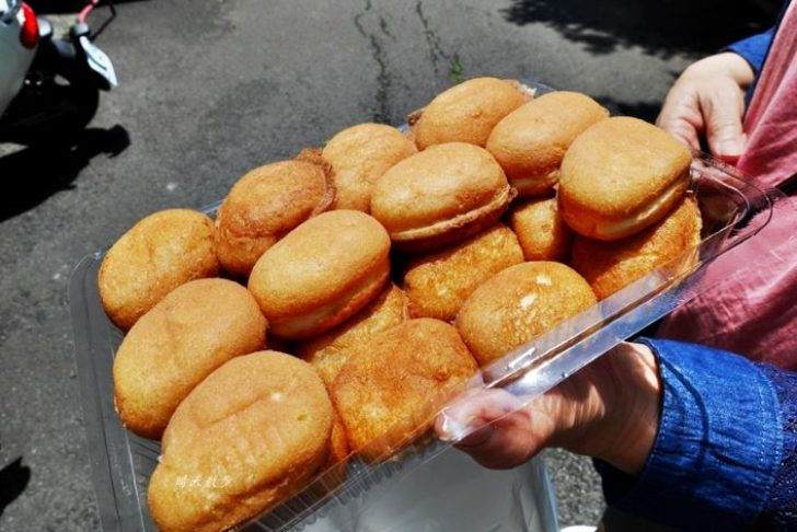 2019 04 26 141642 728x0 - 台中小吃|城門雞蛋糕~舊城區銅板美食懷舊小點心 紅豆蛋糕、奶油蛋糕、原味小蛋糕