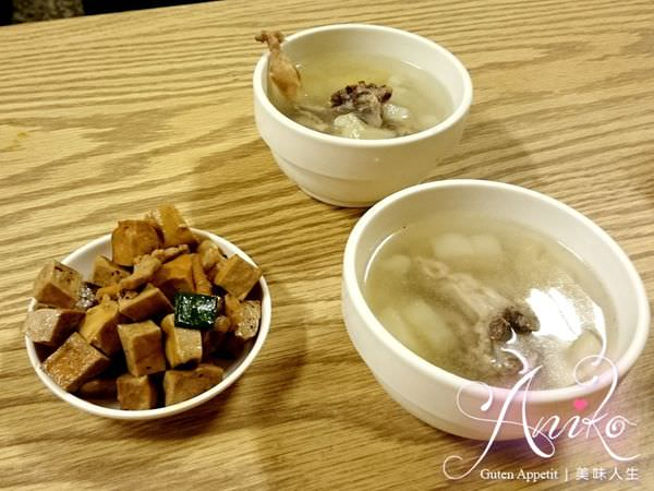 2019 05 14 085432 - 台南武廟美食,白飯小菜無限量供應的老騎士咖哩飯,不傷荷包又可以吃粗飽