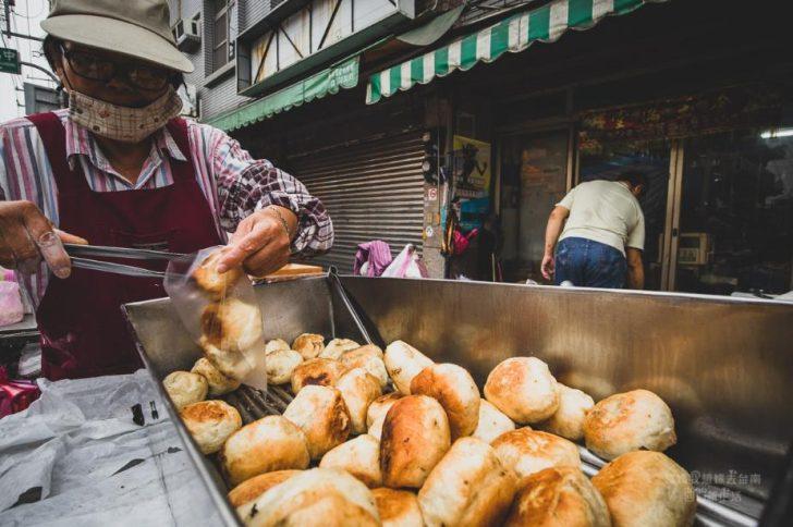 2019 05 24 093854 728x0 - 大灣廣護宮前煎包,學生和在地人都超愛的台南永康小吃