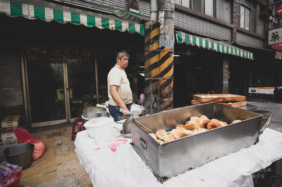 2019 05 24 093901 - 大灣廣護宮前煎包,學生和在地人都超愛的台南永康小吃