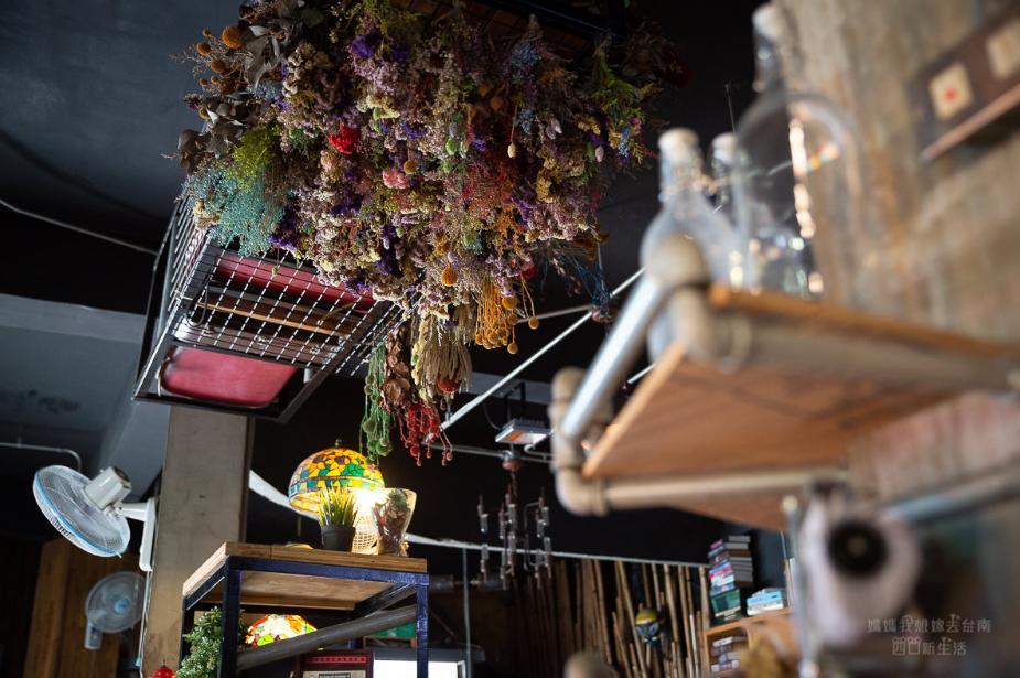 2019 05 27 103215 - 滿滿工業復古風的鐵木匠複合式餐廳,適合聚餐的台南複合式餐廳
