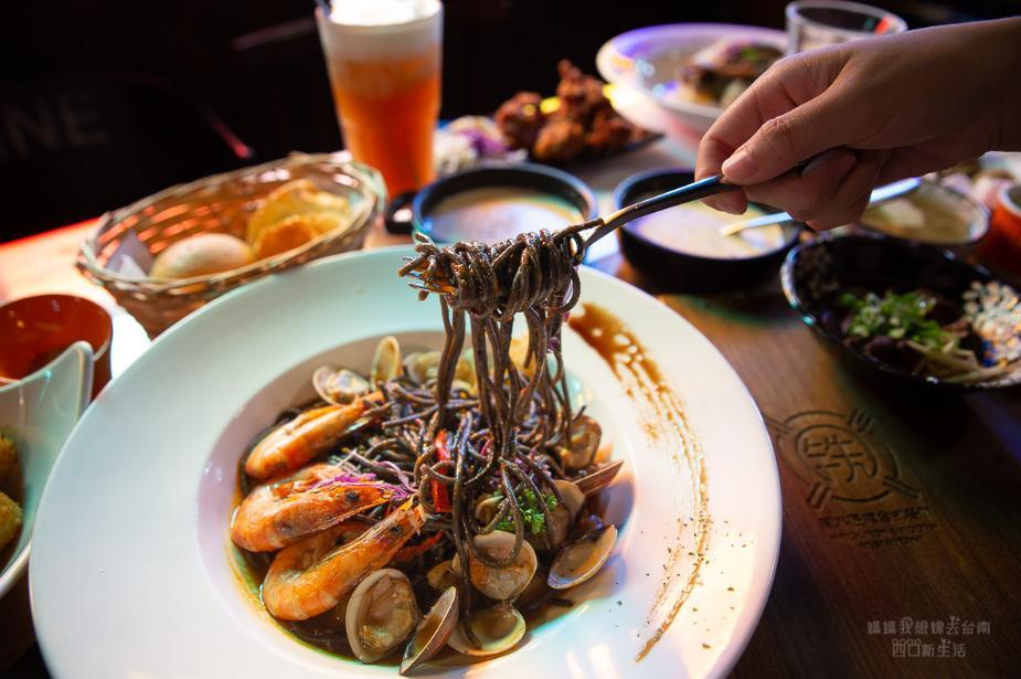 2019 05 27 103227 - 滿滿工業復古風的鐵木匠複合式餐廳,適合聚餐的台南複合式餐廳
