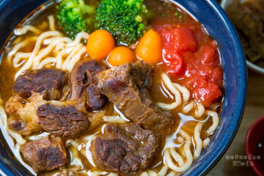 2019 06 04 103933 - 不少網友大推乖乖牛肉麵,湯味美肉大塊,一定要親自嚐一回這台南牛肉麵
