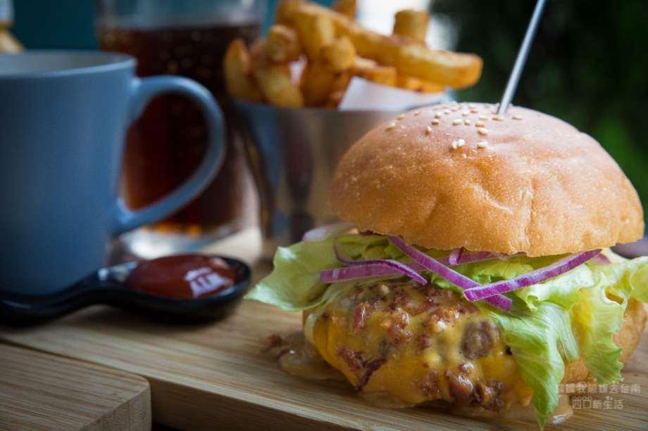 2019 06 05 110424 - 台南開山路美食朱熹漢堡,如店名般肉汁滿滿又juicy的漢堡,吃過就會愛上