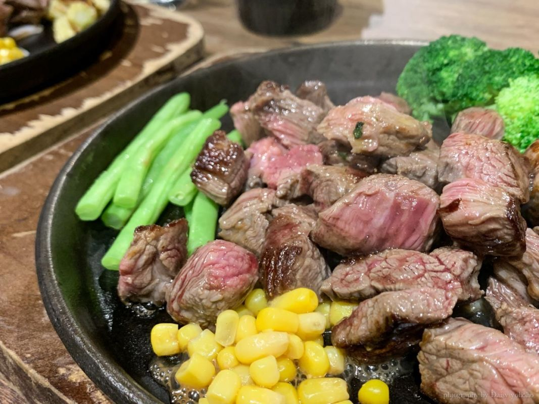 2019 09 11 104252 - 忠孝敦化站   TOTSUZEN STEAK 站著吃濕式熟成牛排,現切現煎以「克」計算