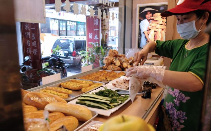 2019 12 16 000043 728x0 - 台中越南法國麵包工藝│推招牌綜合夾心麵包,口味多樣,每天出爐、批發零售