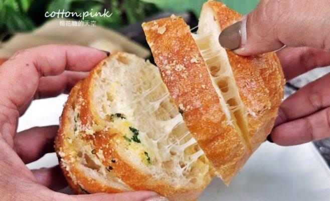 2020 04 03 111732 658x401 - 熱血採訪│韓國最夯的蒜蒜包!巴蕾麵包改良過,鹹甜鹹甜牽絲更好吃