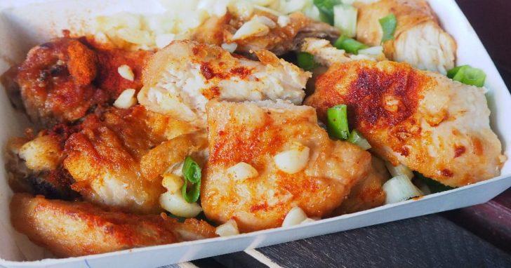 2020 05 27 235204 728x0 - 軟嫩雞肉有肉汁,老擔碳烤雞排,這家雞排搭蒜頭蔥花吃超涮嘴~